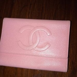 Authentic chanel wallet. Gently used.